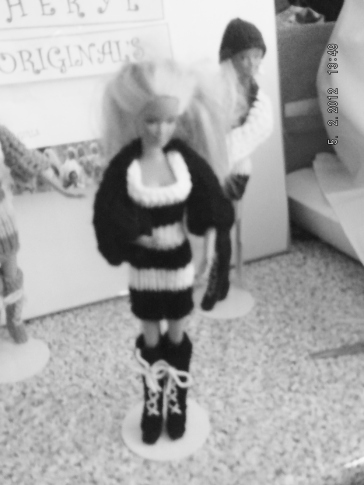 1008 https://nannycheryl.com/items-for-sale/1008-barbie-outfit-for-sale-doll-not-included/