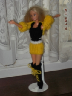 1009 https://nannycheryl.com/1009-reclaim-barbie-and-clothes-for-sale/