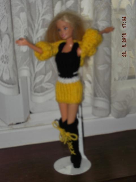 1009 https://nannycheryl.com/1009-reclaim-barbie-and-clothes-for-sale/