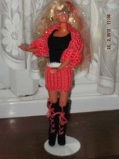 1012 https://nannycheryl.com/items-for-sale/1012-barbie-outfit-for-sale-doll-not-included/