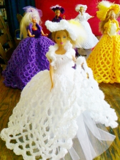 916 https://nannycheryl.com/items-for-sale/916-barbie-ballgown-for-sale-no-doll-incuded/