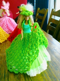 918 https://nannycheryl.com/items-for-sale/918-barbie-ballgown-for-sale-doll-not-included-2/